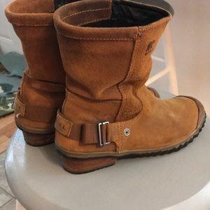 Sorel Short Suede  Boots